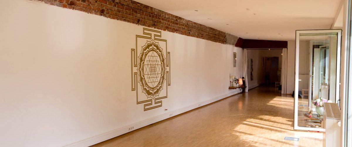 Yoga Studio; Jorinde  Foto© Peter Wieler, Essen  08.06.2016   Mobil: 0171 8249821  info@peter-wieler.de